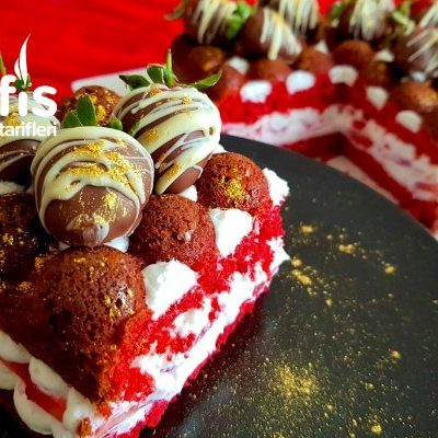 Red Velvet Strawberry Cake Tarifi